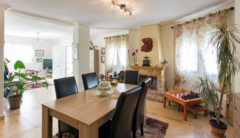 Cinnuelica villa lounge