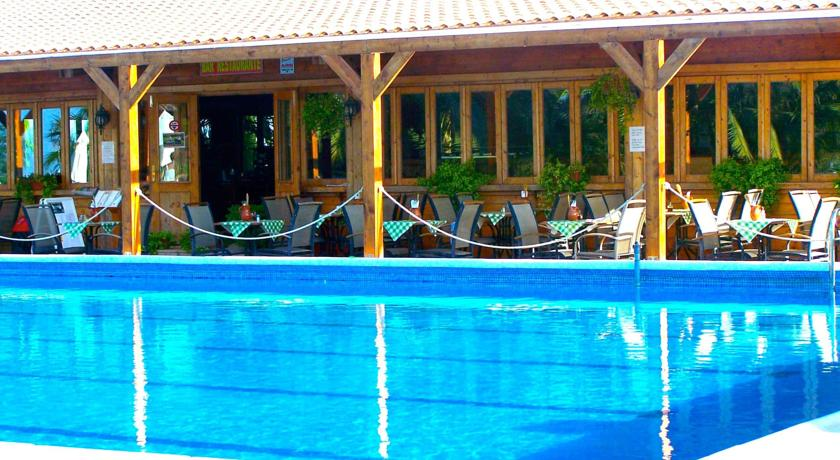 El-Ranco-Pool- area