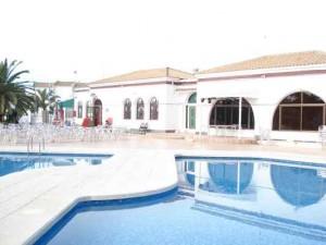 Emerald-Isle-la-florida-pool La Florida