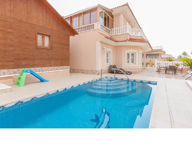 Los Altos villa with sauna and pool