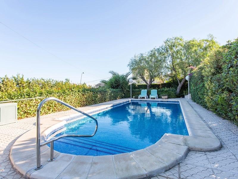 Los Balcones pool