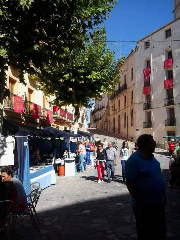 Bocairent-market-on-to-caves