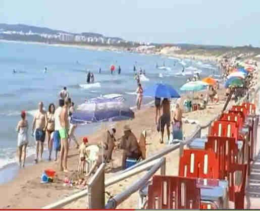 El-Pinet-Beach-La-Marina