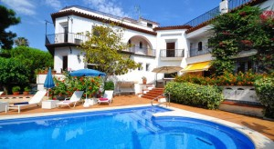 Los-Angeles-Sitges Large Villa Holidays