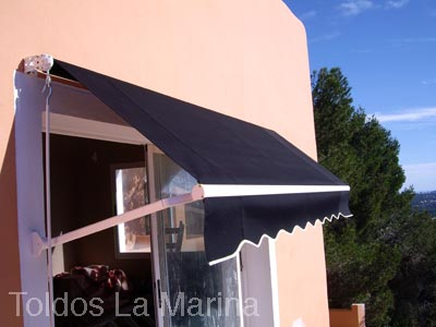 Spanish Awnings Curvo awning 400x290
