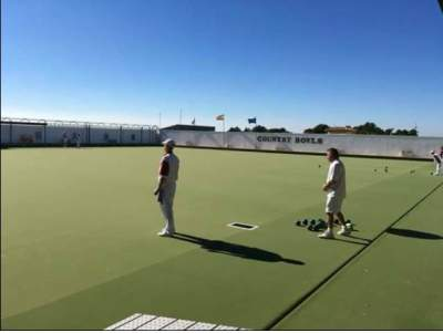 Country Bowls Club bowls early